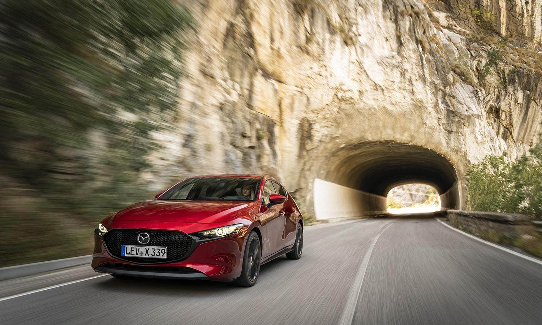 Mazda3 5 puertas dinámica delantera