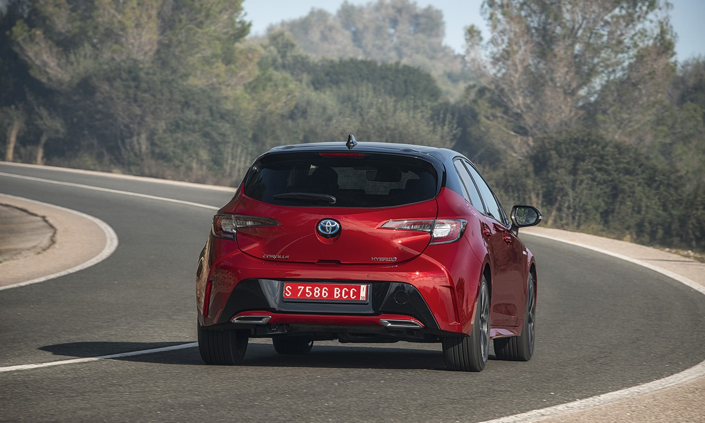 Toyota Corolla 5 puertas dinámica trasera