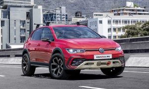Volkswagen Golf Country 2020 render by Kolesa.ru front
