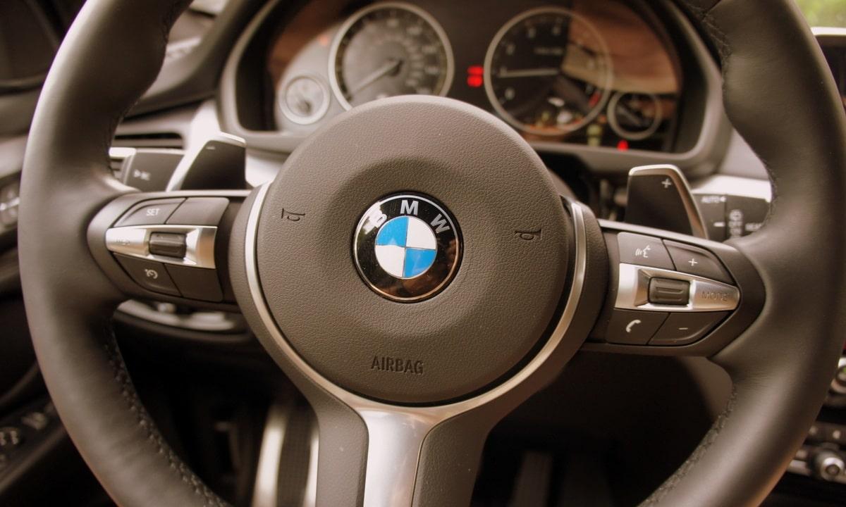 Las bocinas de los coches pueden averiarse en varios puntos. Incluido el volante