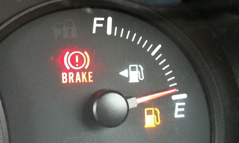 Indicador de combustible casi vacío