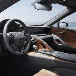 Lexus LC 500h interior marrón negro