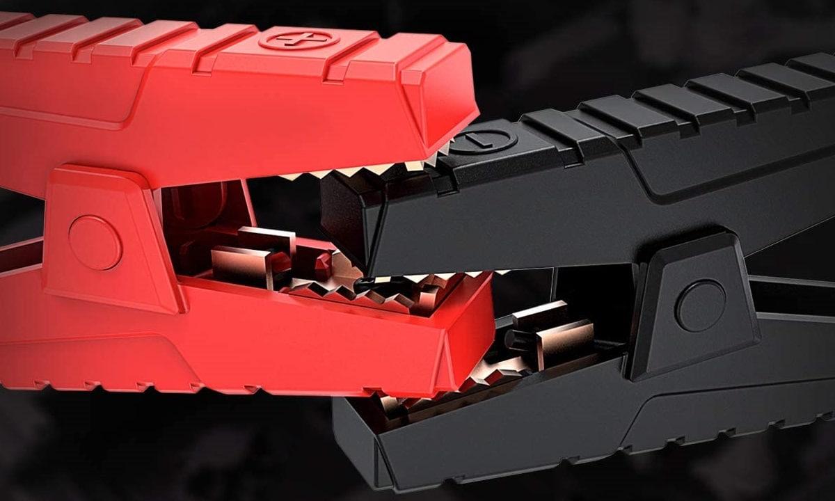 Intensidades de corriente en arrancador de batería de coche con pinzas