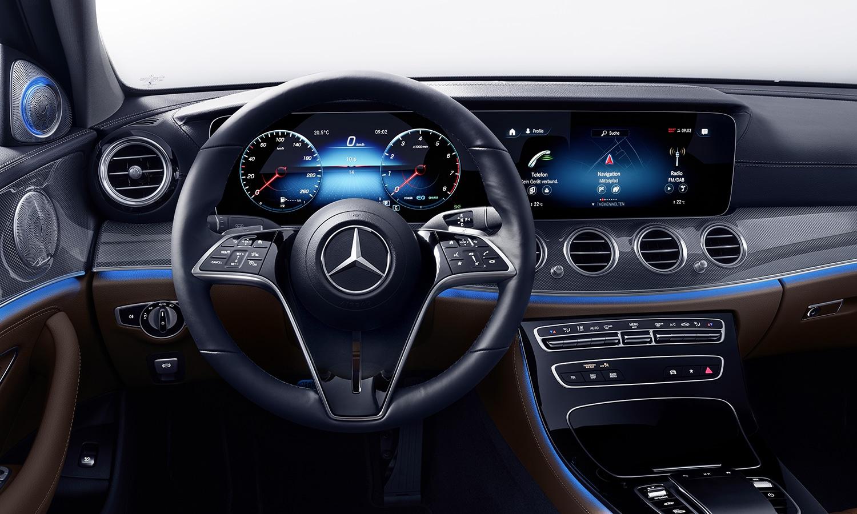 Nuevo volante Mercedes Clase E 2020 botones táctiles