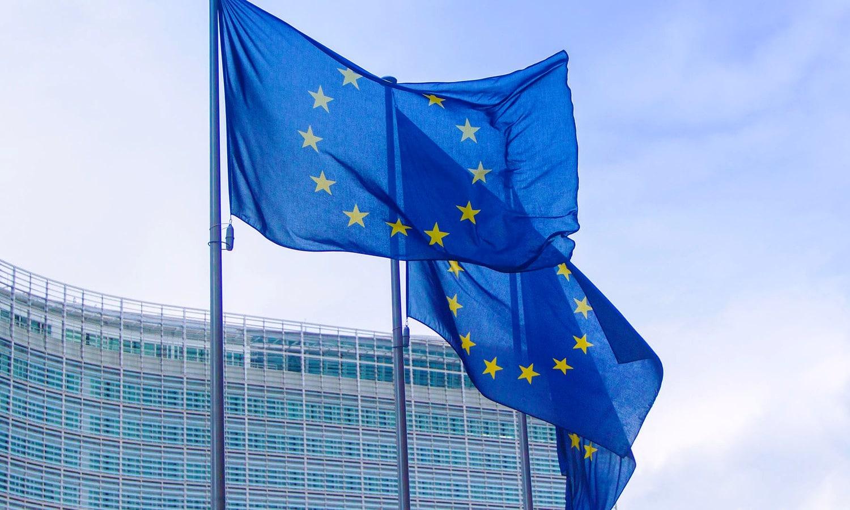 Bandera Unión Europea - Grupo PSA - Grupo FCA