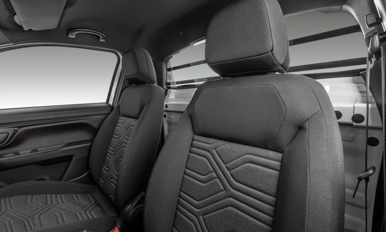 Fiat Strada Freedom Cabine Plus interior