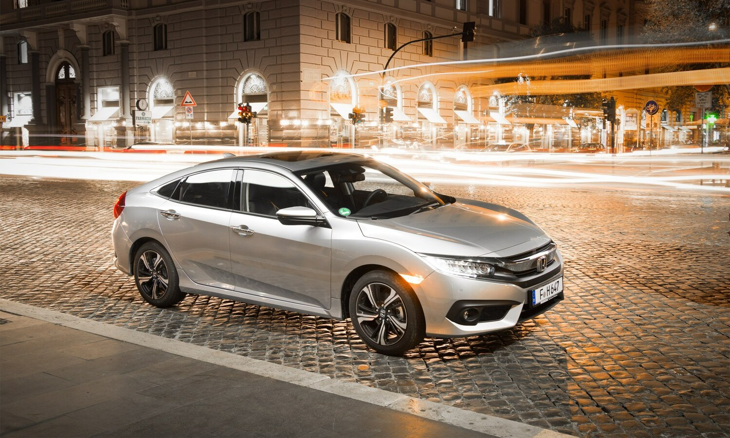 Honda Civic Sedán 1.6 i-DTEC front-side 2018