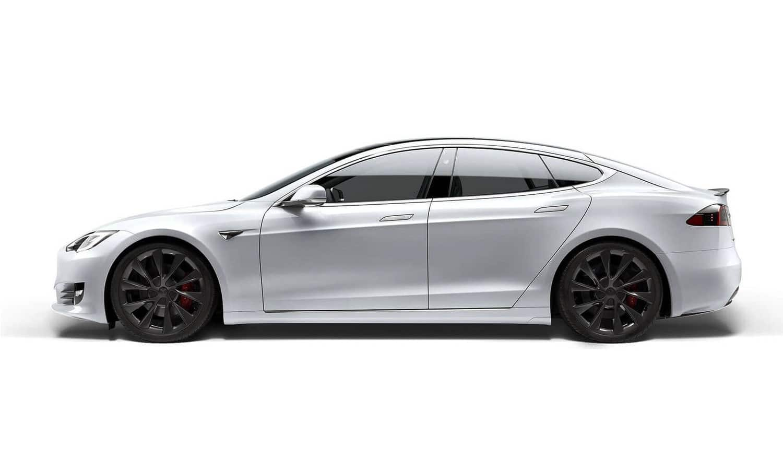 Tesla Model S 402 Miles side