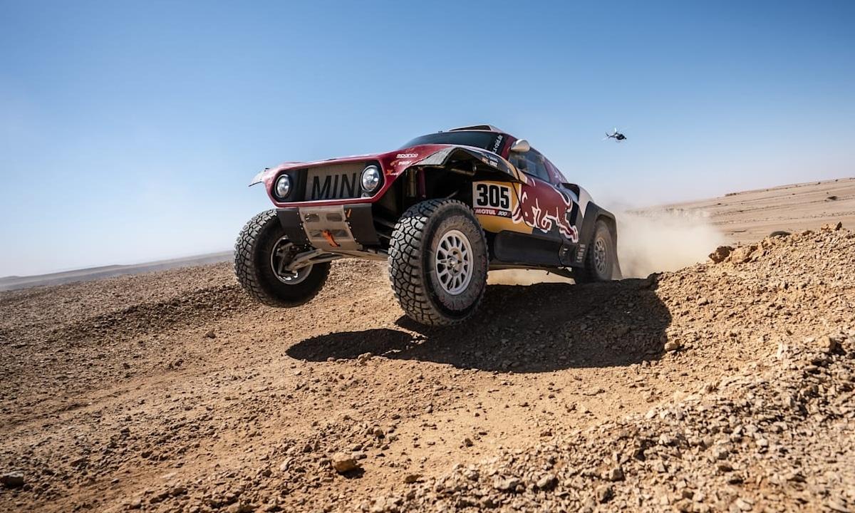 Carlos Sainz en el Mini del Dakar 2020