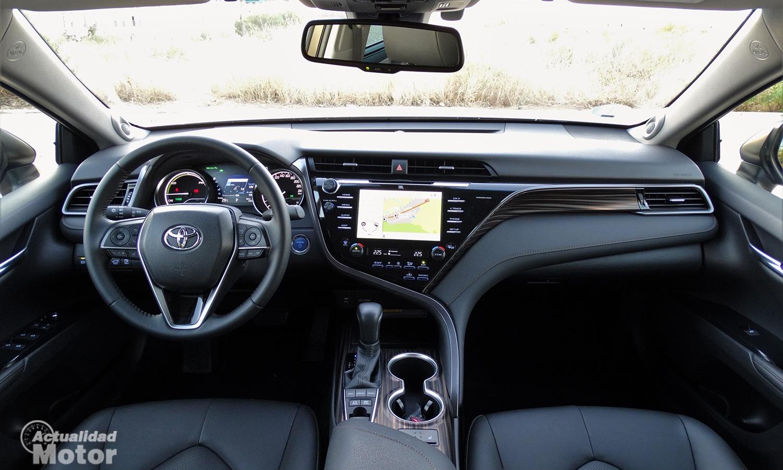 Interior Toyota Camry 2020