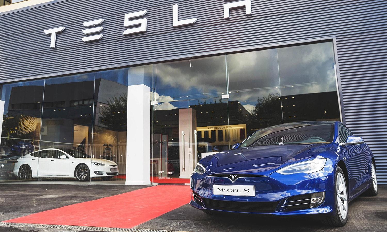 Tesla coche eléctrico
