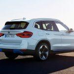 BMW iX3 perfil trasero