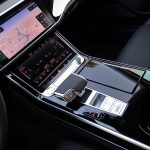 Prueba Audi A8 60 TFSIe consola central
