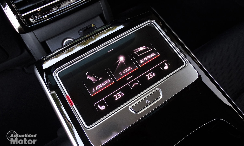 Prueba Audi A8 60 TFSIe pantalla plazas traseras