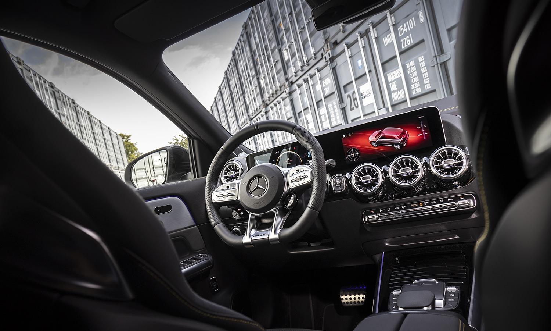 interior Mercedes-AMG A 45 S