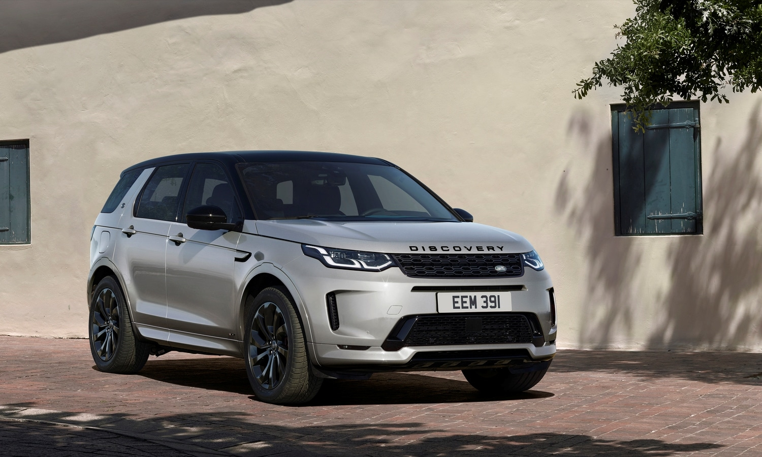 Land Rover Discovery Sport Black P290