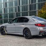 BMW 545e trasera