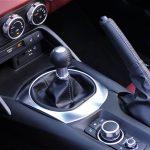 Prueba Mazda MX-5 RF 184 CV palanca de cambios