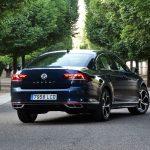 Perfil trasero del Volkswagen Passat R-Line 2020