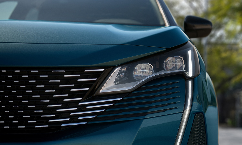 Peugeot 5008 detalle frontal
