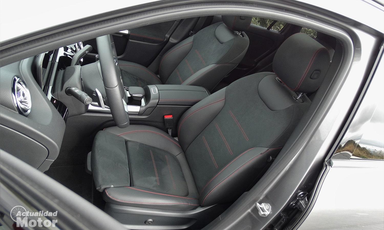 Prueba Mercedes GLA asientos delanteros AMG Line