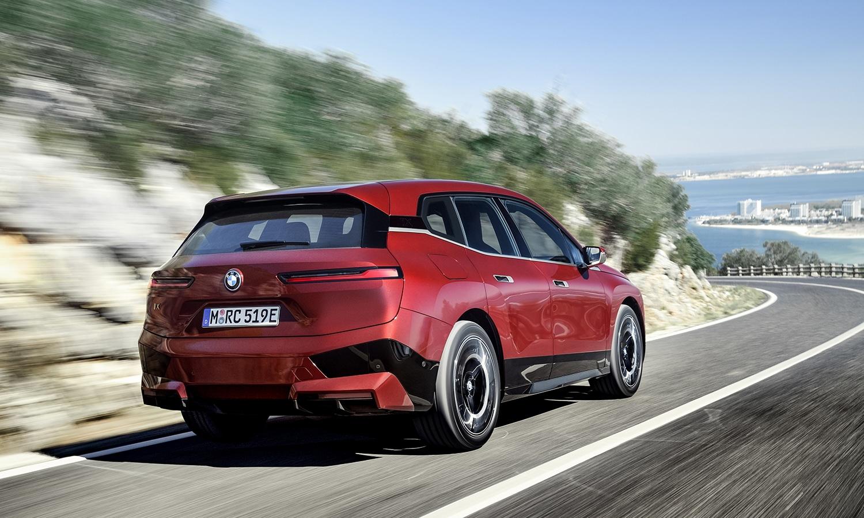 Trasera del BMW iX M Sport
