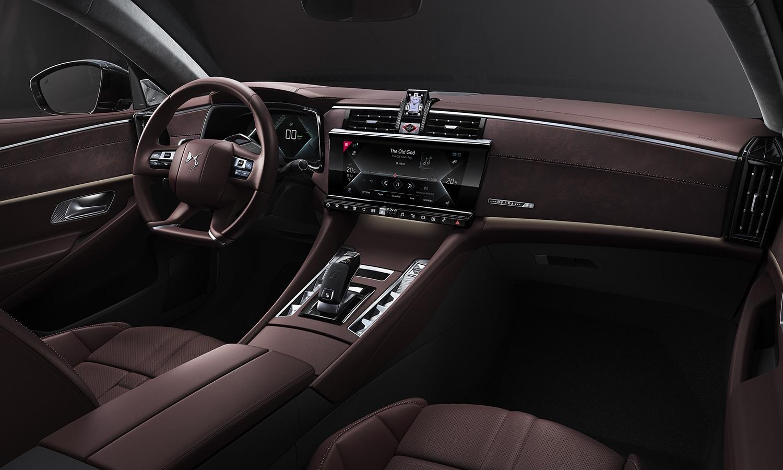 DS 9 interior