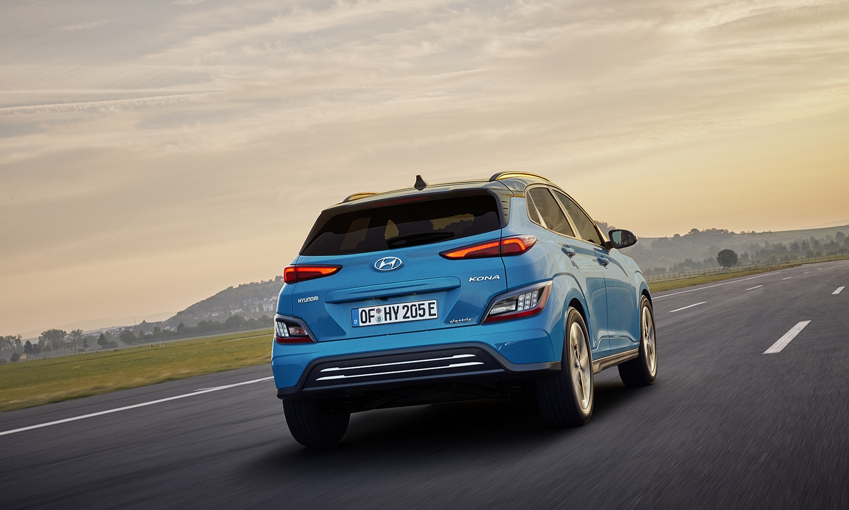Trasera con pocas modificaciones del Hyundai Kona Electric 2021