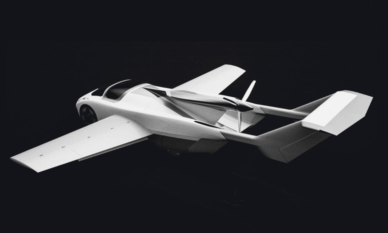 Trasera del AirCar Klein Vision con las alas desplegadas