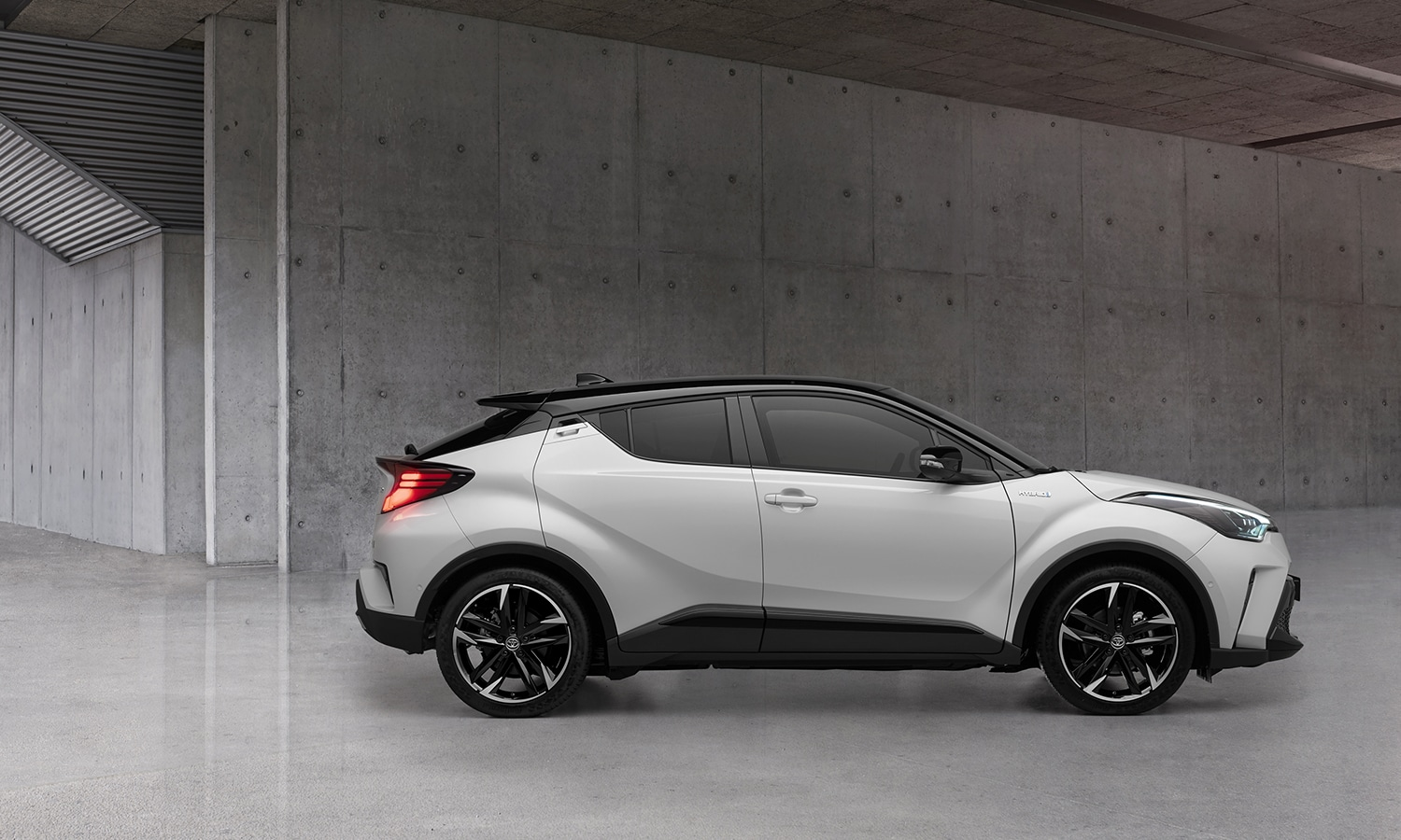 Toyota C-HR GR Sport lateral