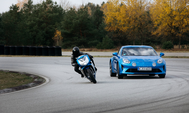MV Agusta Superveloce Alpine dinámica