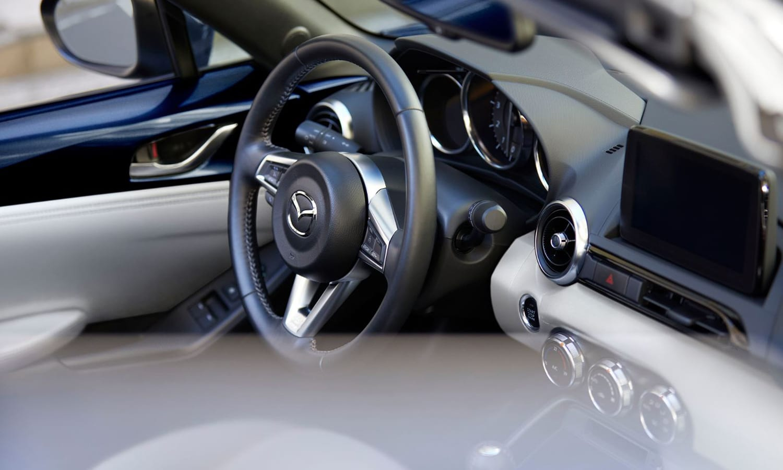 Mazda MX-5 2021 interior