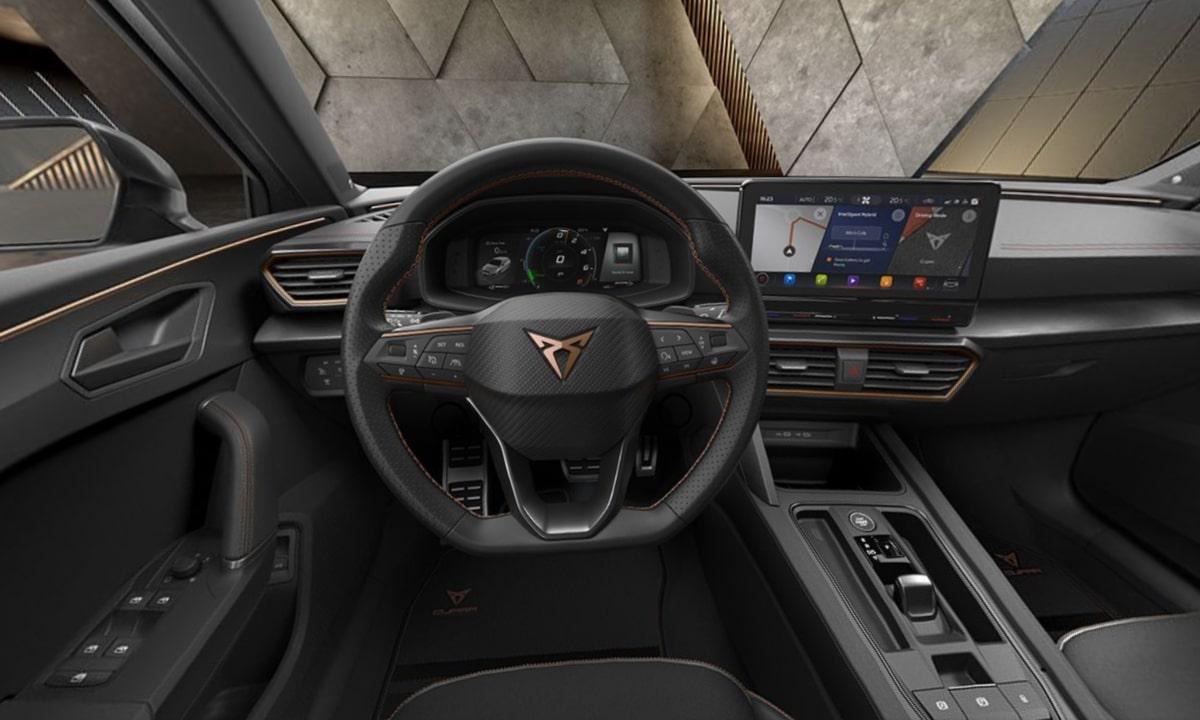 Cupra León 2.0 TSI interior