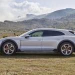 Porsche Taycan Cross Turismo lateral