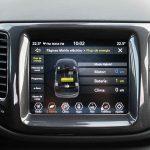 Prueba Jeep Compass 4xe pantalla táctil