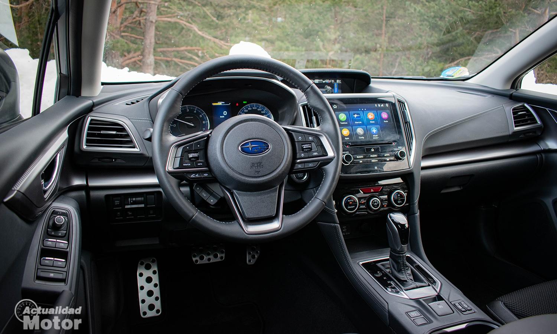 Subaru Impreza híbrido interior