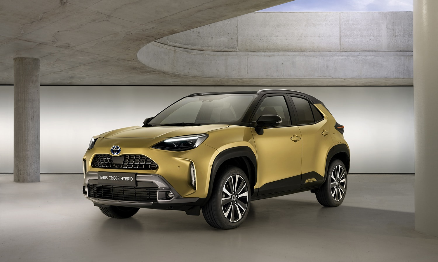 Toyota Yaris Cross Adventure perfil