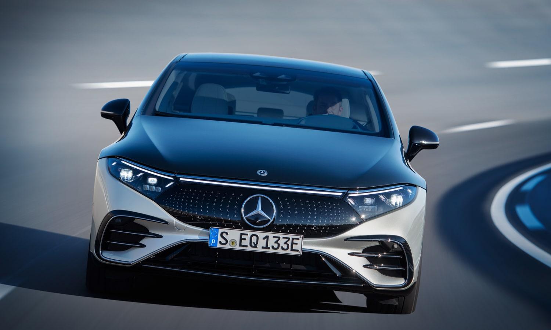 Mercedes EQS front