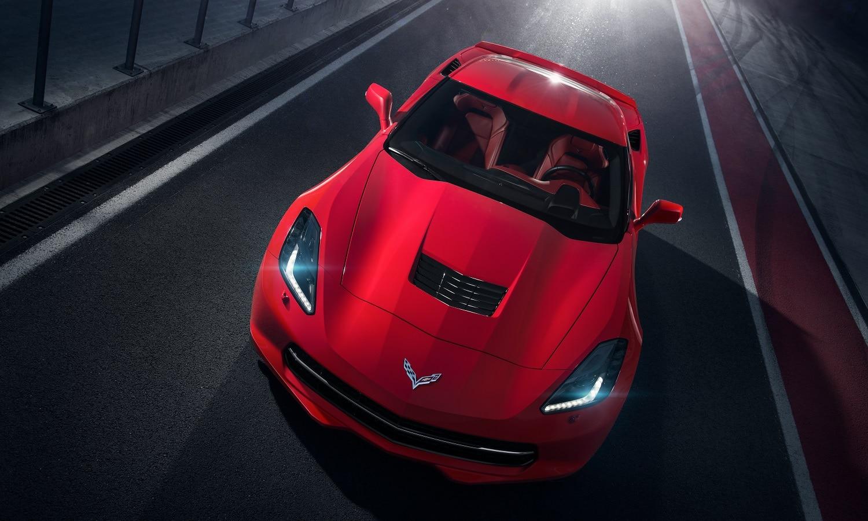 Makiman131 tiene un Chevrolet Corvette c7. Uno de los más llamativos de los coches de los youtubers