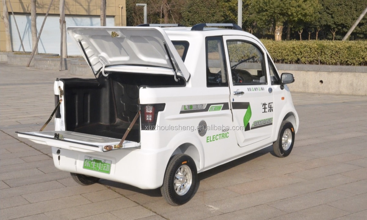 Lesheng M1 electric pick-up cargo space