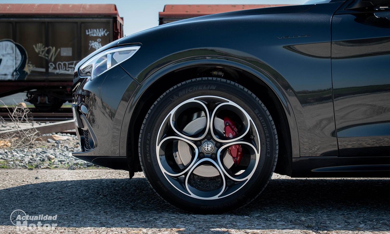 Prueba Alfa Romeo Stelvio llantas 19 pulgadas