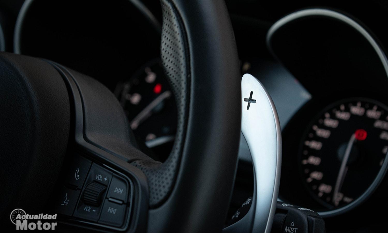 Prueba Alfa Romeo Stelvio Q4 Veloce levas aluminio