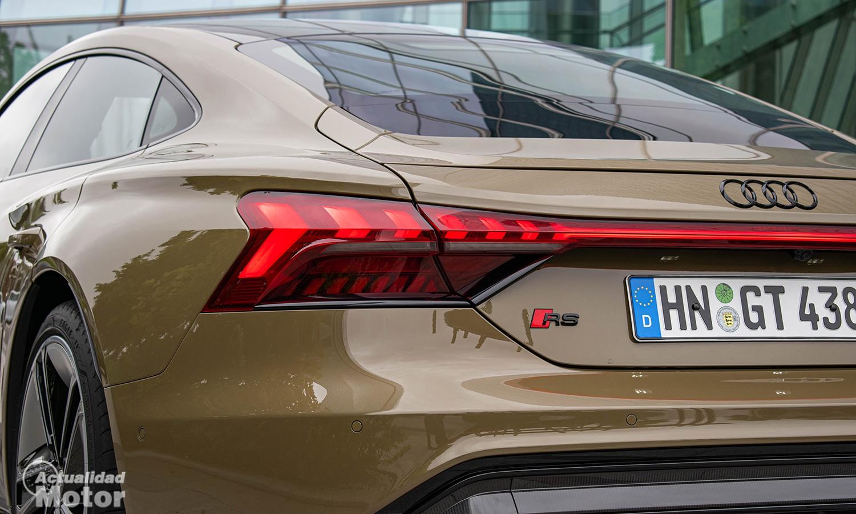 Prueba Audi RS e-tron GT luces traseras