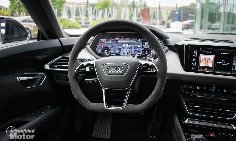 Prueba Audi RS e-tron GT volante