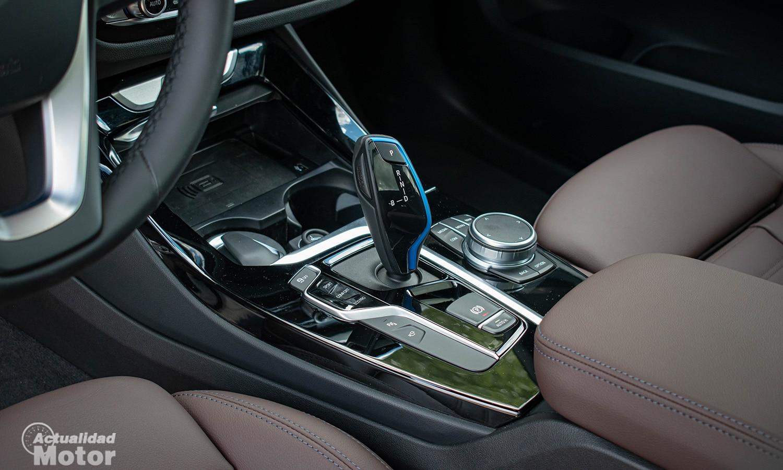 Prueba BMW iX3 palanca cambios