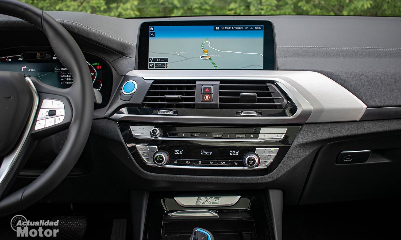 Prueba BMW iX3 pantalla táctil