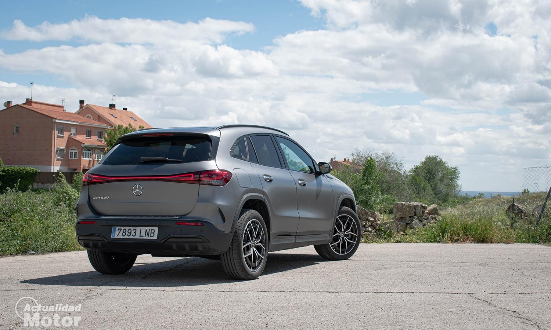 Prueba Mercedes EQA perfil trasero