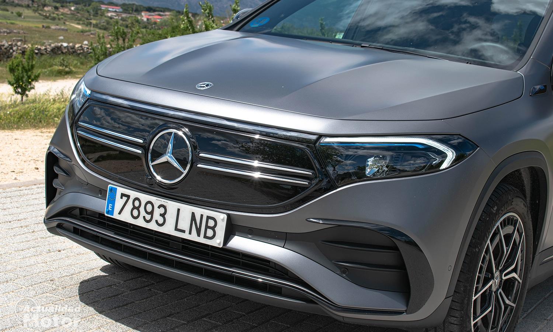 Prueba Mercedes EQA parrilla delantera