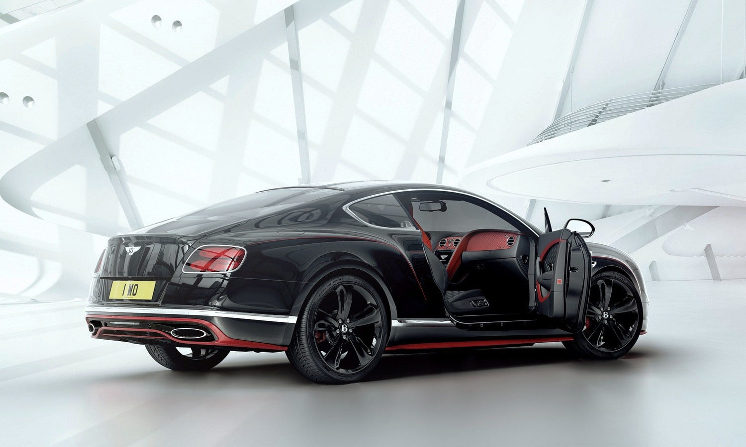 Bentley Mulliner 1000th Commission - 4 -Speed Black Edition Exterior