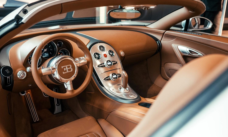 Bugatti Veyron 16.4 Grand Sport 2.1. - La Maison Pur Sang